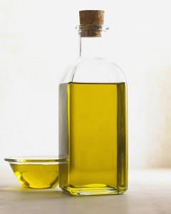 olio-oliva-bottigilia
