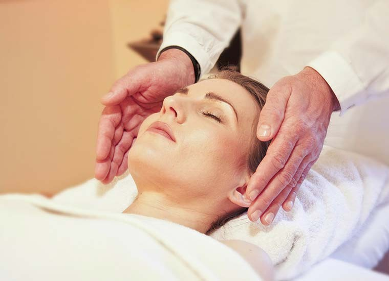 Reiki, cos'è, a cosa serve e come si pratica