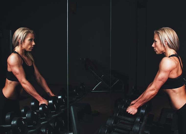 Esercizi per le spalle, come allargarle