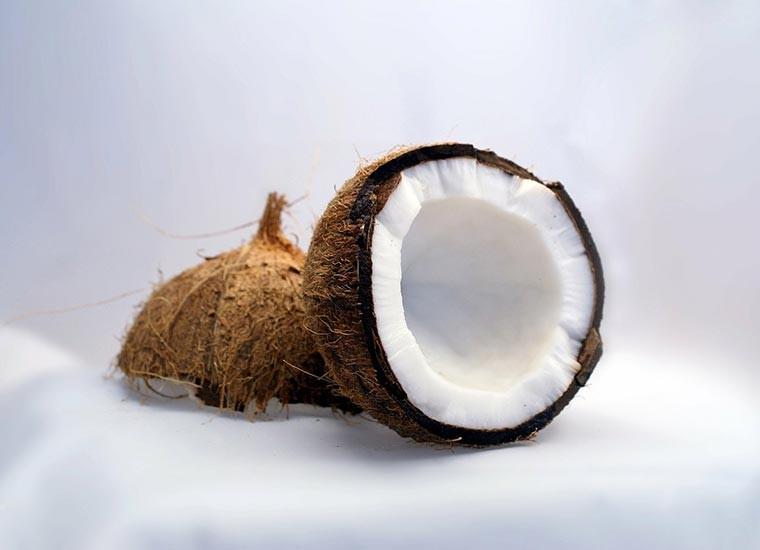 Olio di cocco, proprietà e controindicazioni