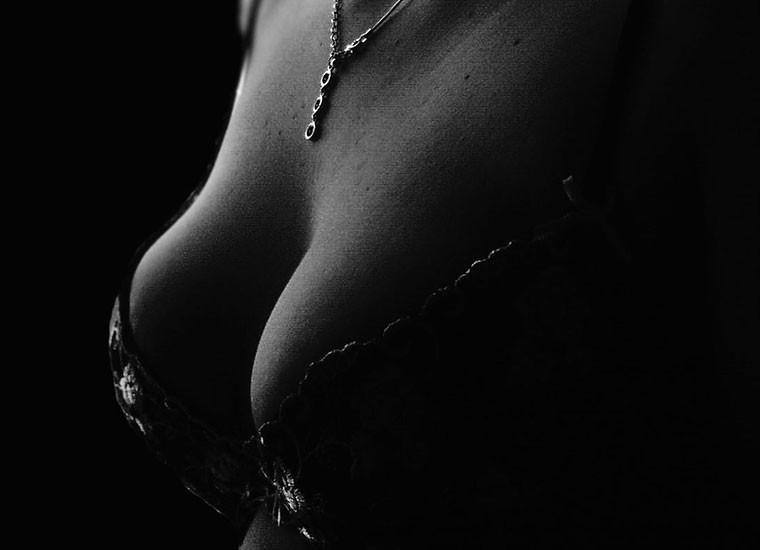 Massaggio al seno rassodante: i benefici