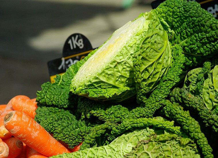 Cavolo: valori nutrizionali, benefici e controindicazioni