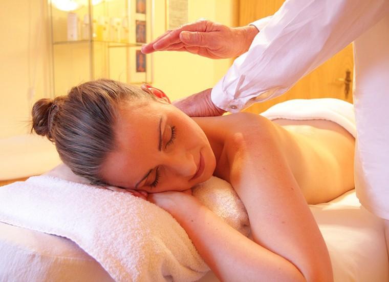 Massaggio californiano: a cosa serve e quali sono i benefici
