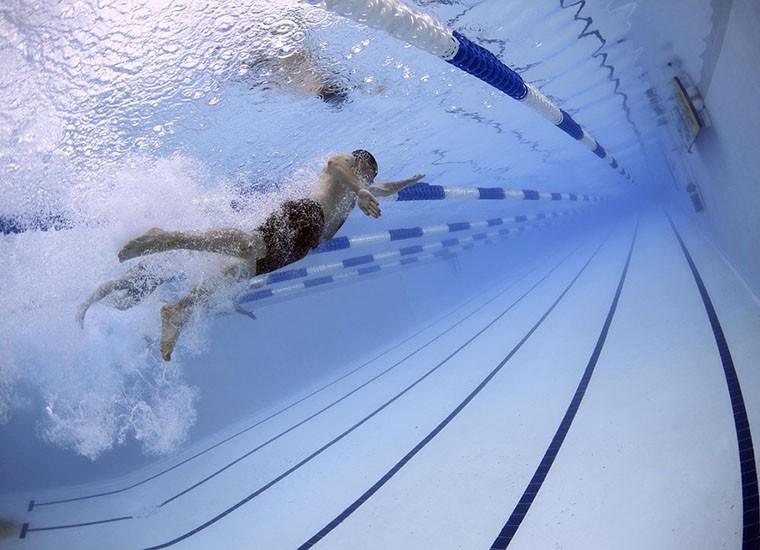 Dimagrire con il nuoto: il programma ideale