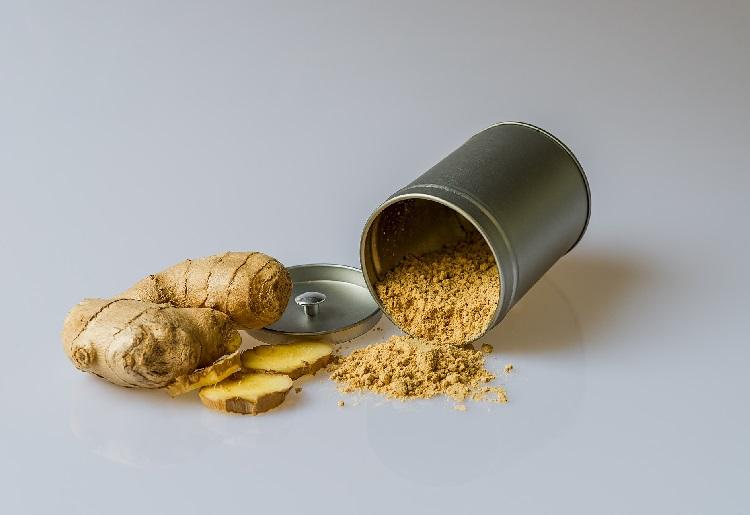 Lo zenzero: una radice dalle molteplici proprietà fitoterapiche e cosmetiche