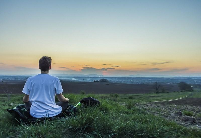 Impariamo la Meditazione di Metta per ritrovare armonia e benessere di corpo e mente