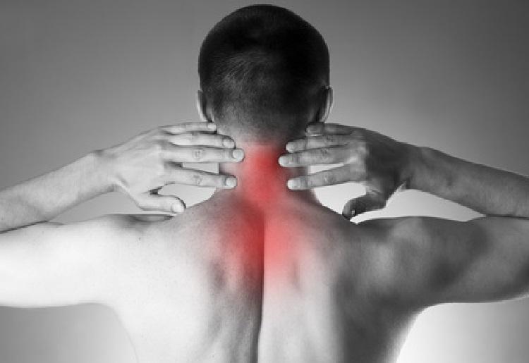 La spondilosi cervicale:  cause, sintomi e trattamento