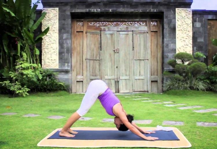 Le posizioni dello yoga che tonificano le braccia