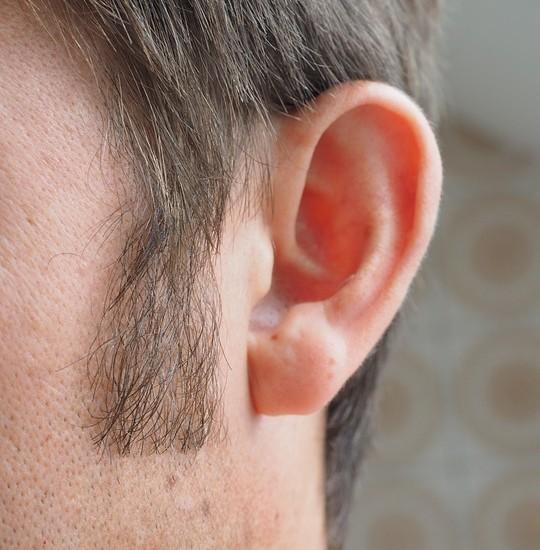 Catarro nelle orecchie, cause e rimedi
