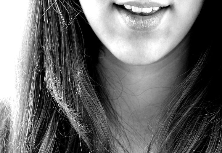 Cosa sono le faccette dentali e come si usano