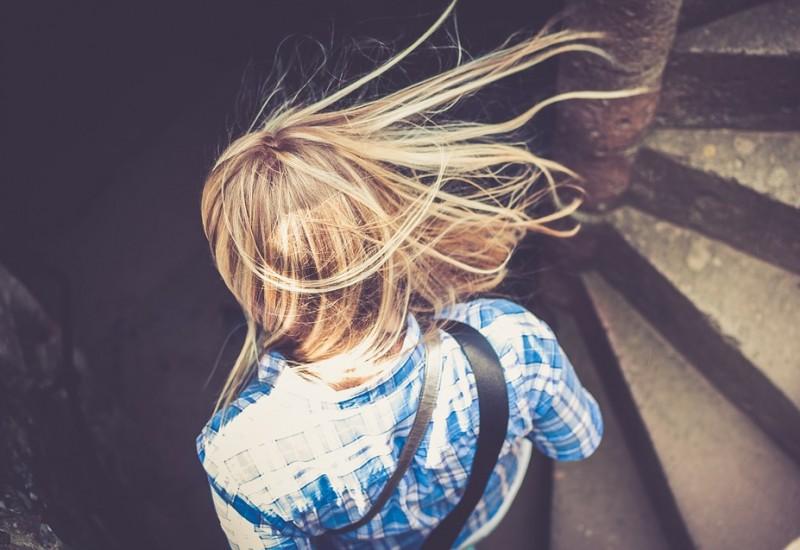 Scopriamo che cos'è la cheratina e i principali trattamenti per la cura dei capelli a base di tale molecola
