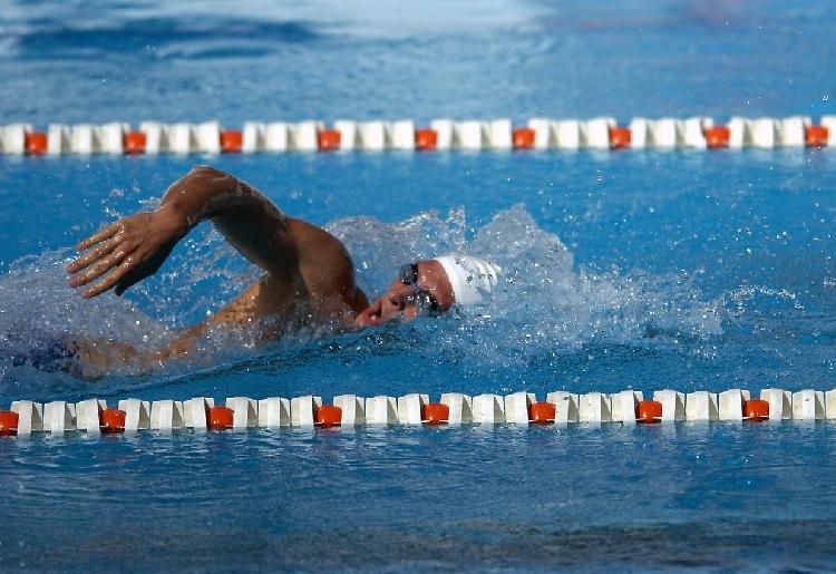I benefici del nuoto per rinforzare la schiena