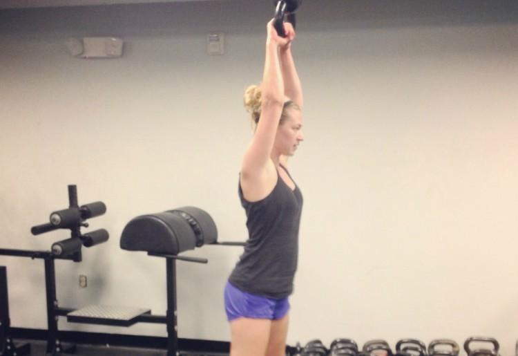Alzate laterali o croci inverse: ottimo esercizio per le spalle
