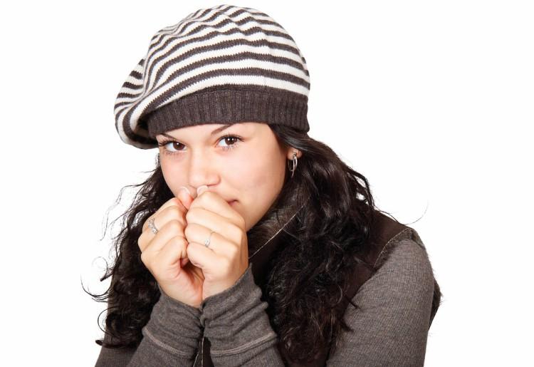 Geloni alle mani e ai piedi: sintomi e rimedi