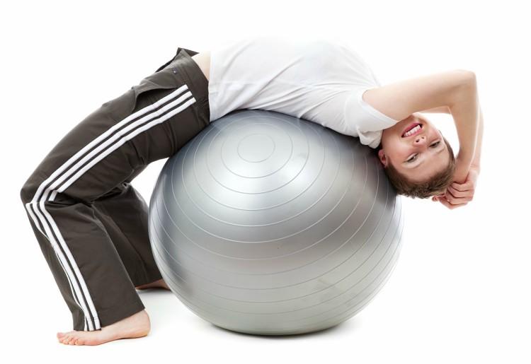 Stretching fitball: esercizi per migliorare la muscolatura