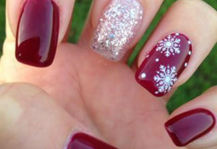 Nail art natalizie: le migliori idee arrivano da Instagram