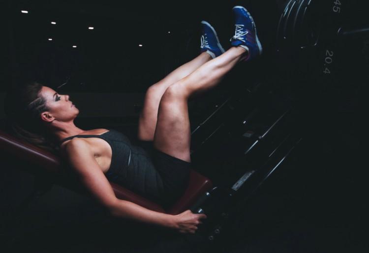 Addominali e lombalgia: gli esercizi per prevenire il mal di schiena
