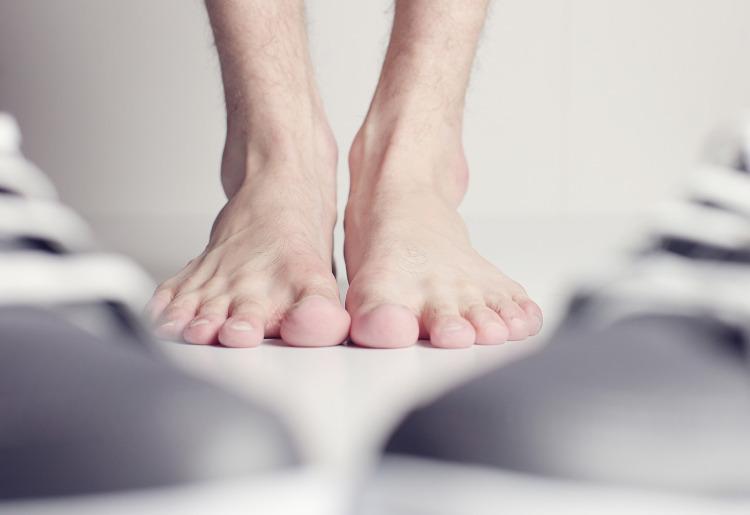 Trattamento di un fungo di piede e posizione di unghie. ragioni. tipi. sintomi. prevenzione