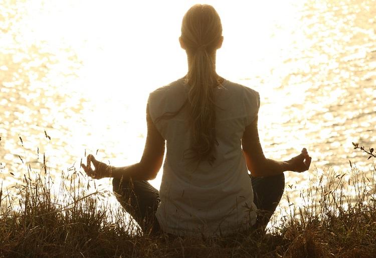 Meditazione trascendentale, come si fa ed esercizi