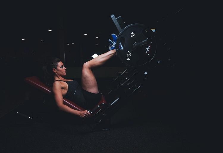 Polpacci grossi, come dimagrire: esercizi e consigli