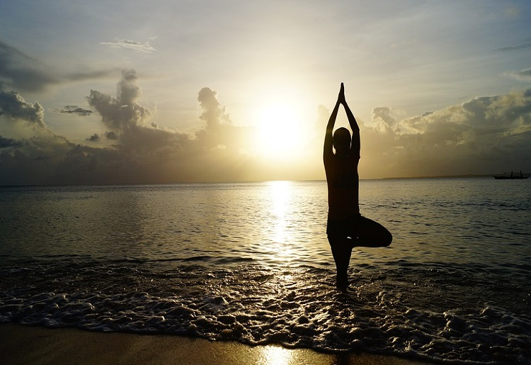Yoga challenge, posizioni, benefici e consigli