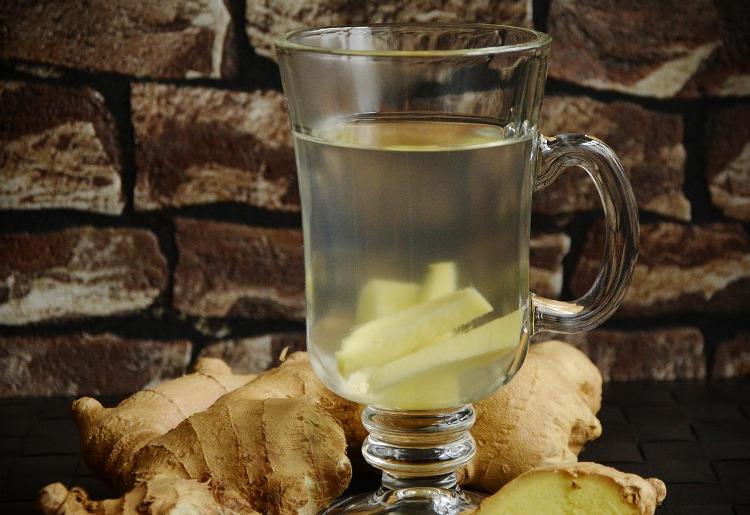 I benefici di una bevanda allo zenzero e come prepararla