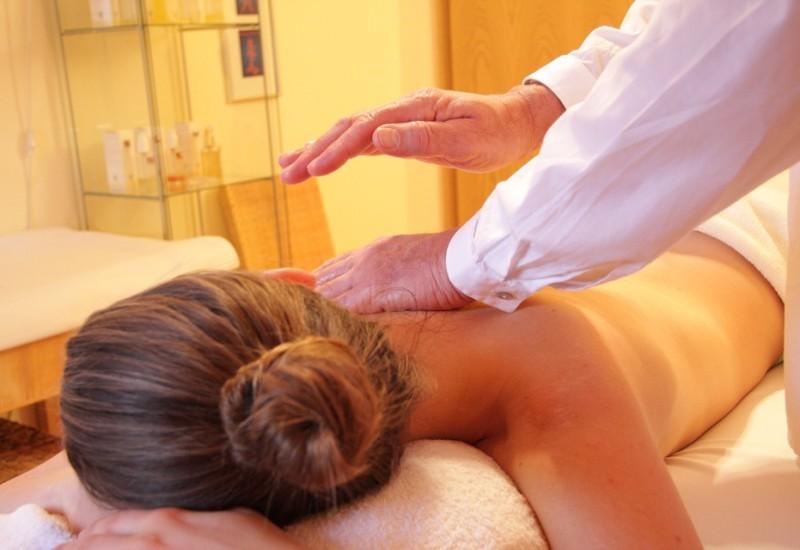 Massaggio Bowen, quando e come si effettua