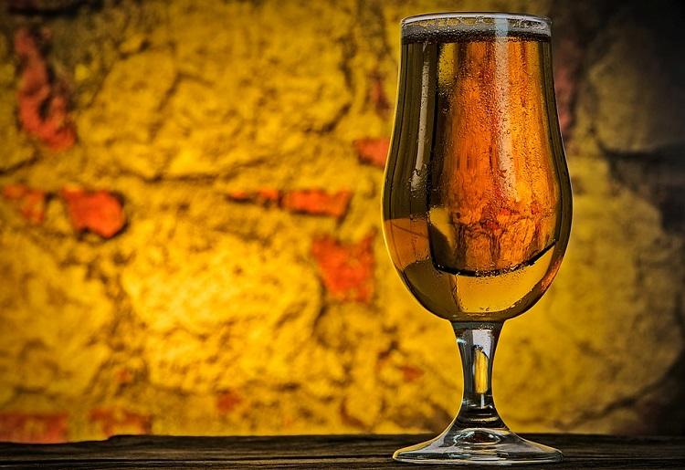Birra Weiss, calorie, benefici e controindicazioni