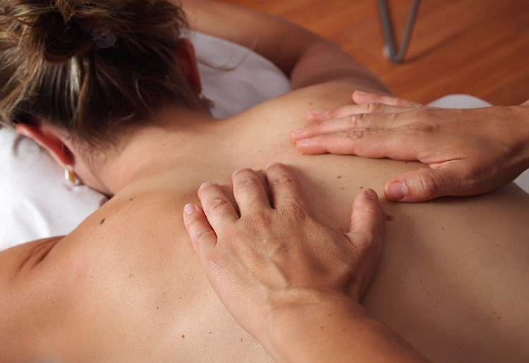 Massaggio decontratturante, a cosa serve come funziona