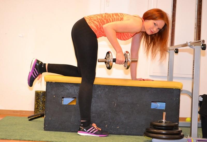 Esercizi dorsali con rematore, come si eseguono