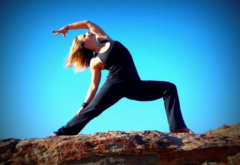 Stretching gambe al mattino, come fare