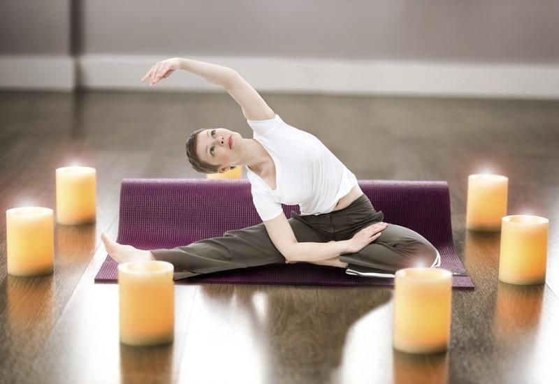 Come praticare lo Yoga a casa, consigli utili e modalità