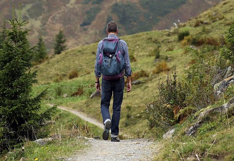 Trekking, cos'è, benefici e rischi