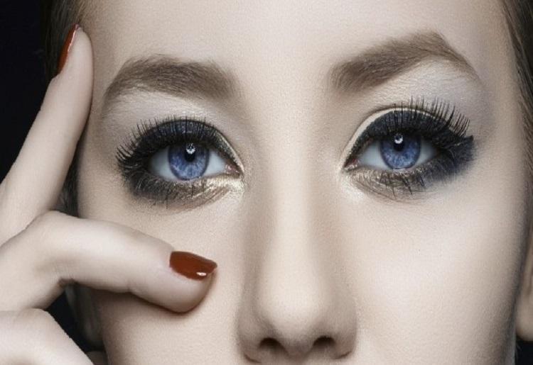 Ombretto per occhi azzurri, le tonalità ideali