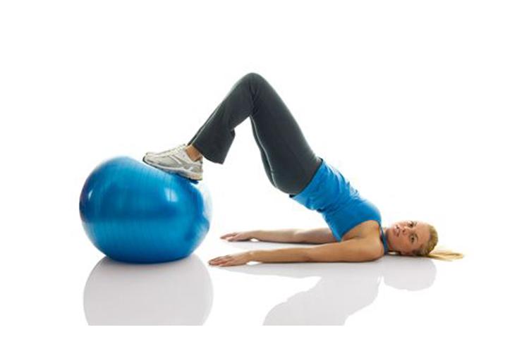 Esercizi con la palla, cosa sono e come si eseguono