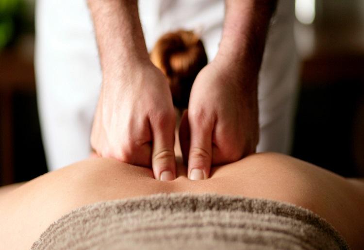 Il massaggio decontratturante, a cosa serve e come si esegue