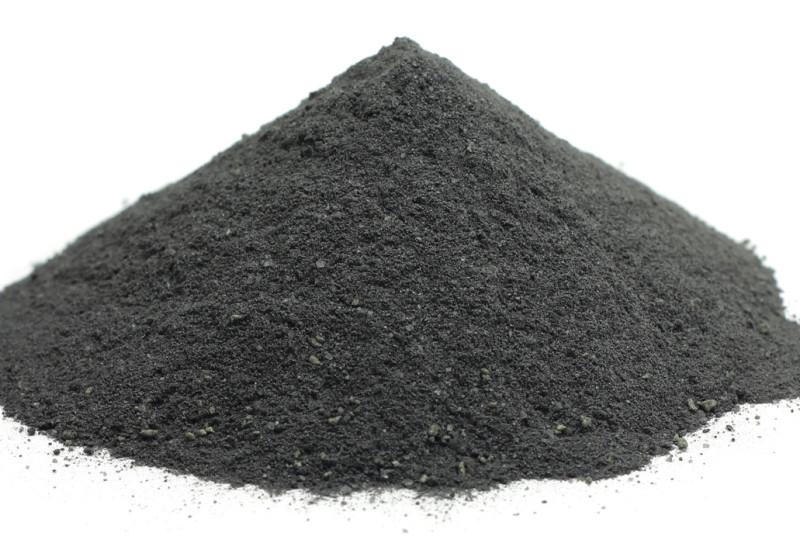 Carbone vegetale, cos'è, benefici e controindicazioni